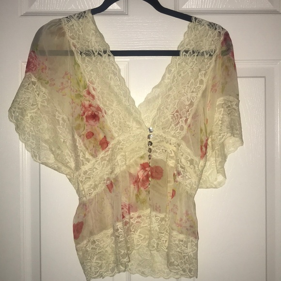 Forever 21 Tops - Forever 21 lace top SMALL